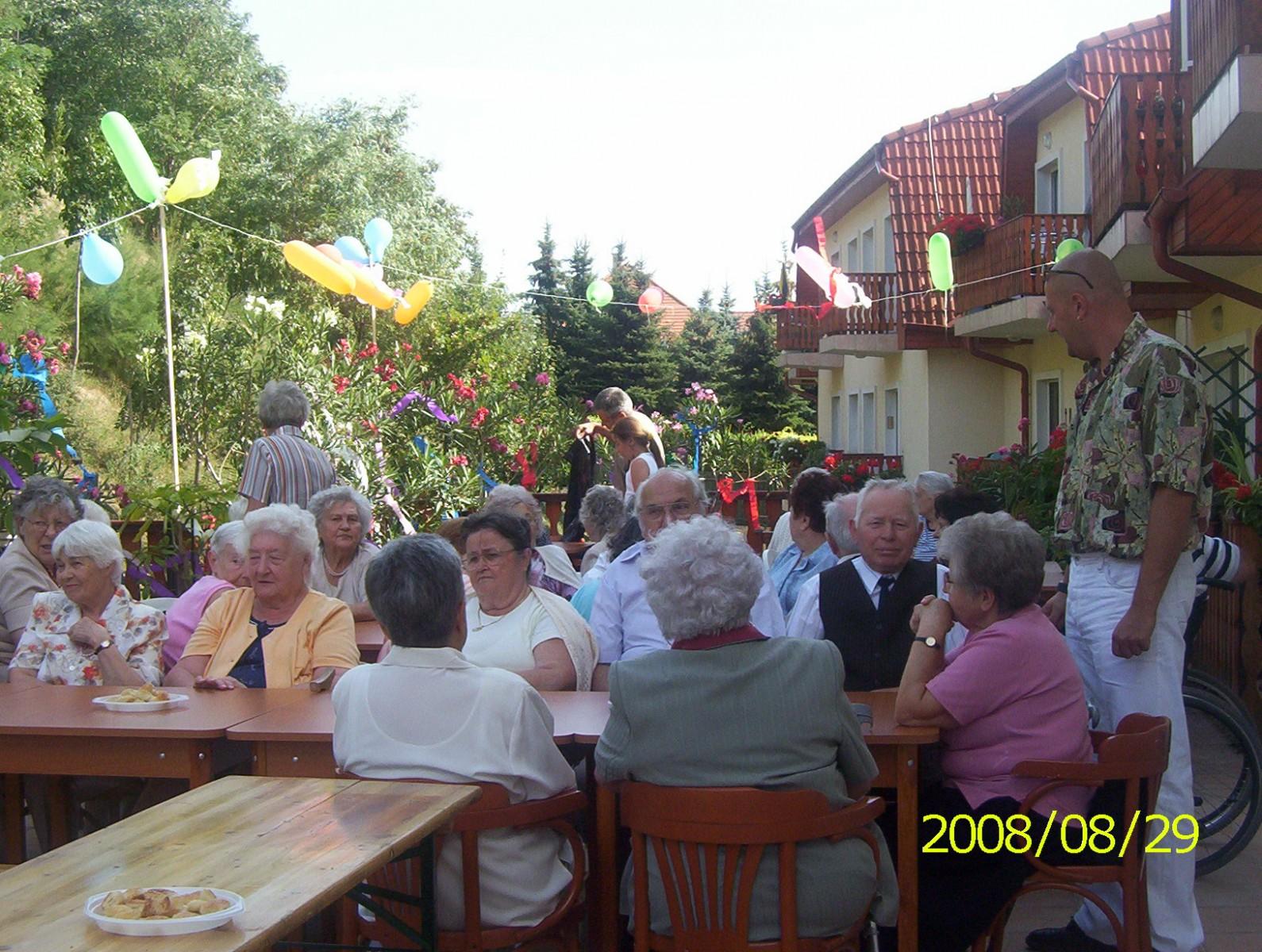 Kerti-parti-2008-010